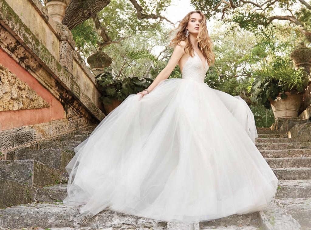 jim-hjelm-bridal-ivory-tulle-ball-gown-lace-bodice-halter-neckline-t-strap-back-sweep-train-8504_zm